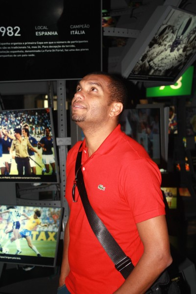 Amoroso no Museu do Futebol. Foto: Museu do Futebol.